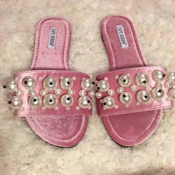 Cape Robbin Pink Velvet Pearl Sandals 7.5